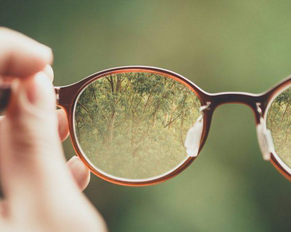 Photo au travers de lunettes